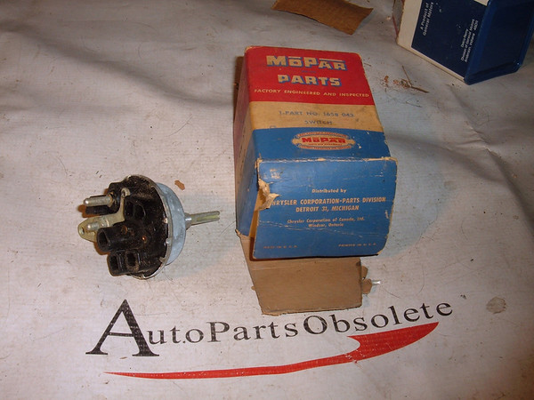 1955 56 chrysler headlight switch 1658043 (z 1658043)