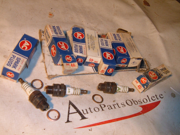 1950 51 52 53 54 buick cadillac oldsmobile AC Spark Plugs NOS 1559494 (z 1559494)