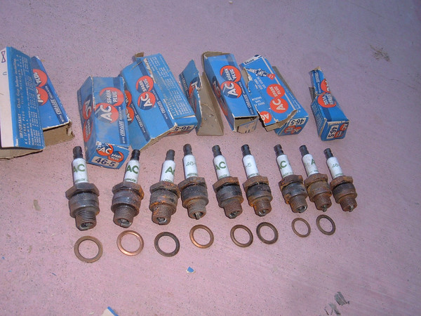 1941 46 48 49 51 53 54 chevrolet 46-5 AC spark plugs original style -9 ct 5569617 (z 5569617)