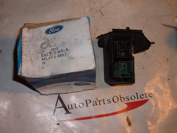 E6LY-5419 A /E6LB 3C072 A1B A lincoln air suspension relay and bracket 1986 87 88 89 90 era (z e6ly5419a)