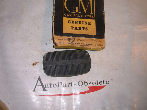1958 -70 Chevrolet nos gm brake pedal pad 3745991 (z 3745991)