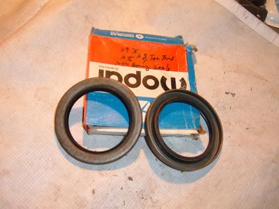 1969 70 71 72 73 74 75 76 dodge truck rear axle bearing seals # 2955098 (z 2955098)