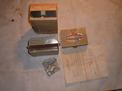 1964 66 68 70 72 chevelle impala tissue dispenser # 981799 (z 981799)