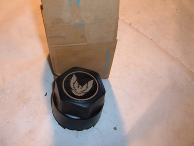 1976 78 80 82 84 86 88 90 92 pontiac firebird wheel center nos gm (z pontiacwheelcent)