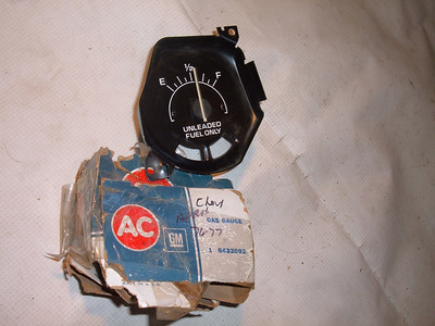 1975 chevrolet monza gas / fuel gauge dash unit # 6432092 (z 6432092)