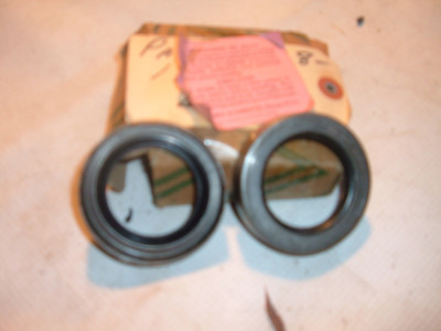 1938 39 40 41 42 packard re wheel seals 323151 (za 323151)