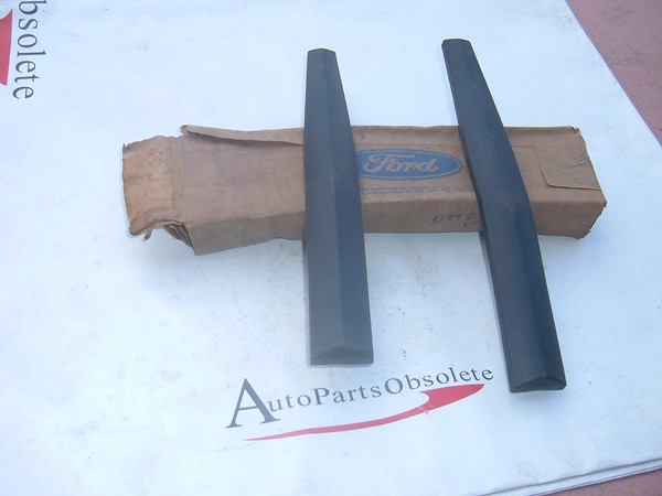 View Product1978,1979 ,ford pickup bumper guard insets nos ford D8TZ 17A812 A (z d8tz17a812a)