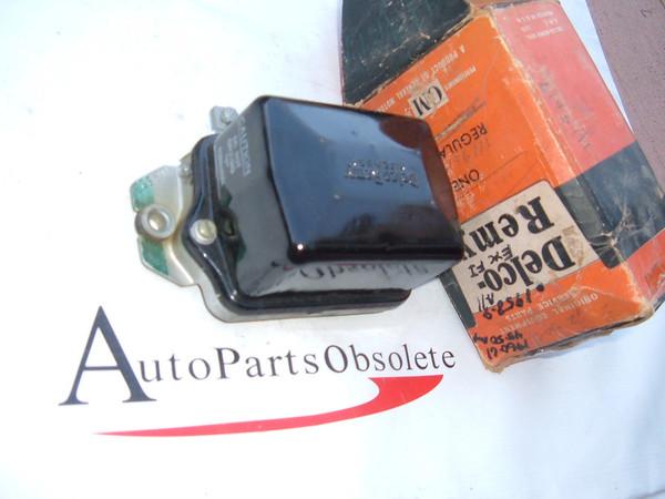 1958,1959 pontiac impala voltage regualtor nos gm # 1119603 (z 1119603)