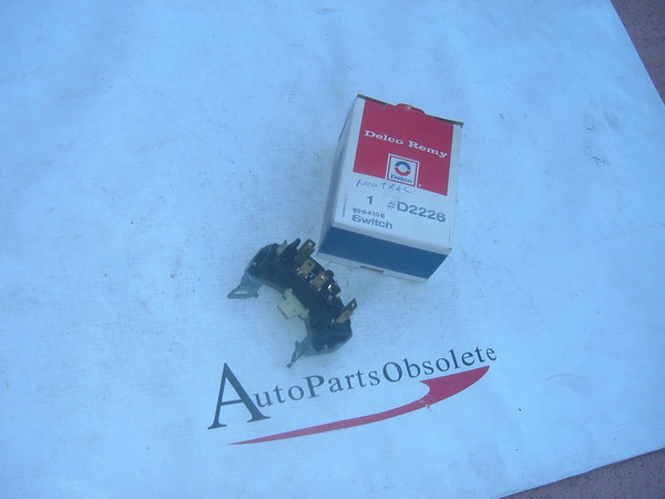View Product1969,1970,1971,1973 chevelle, le mans cutlass neutral safety switch nos gm # 1994158 (z 1994158)