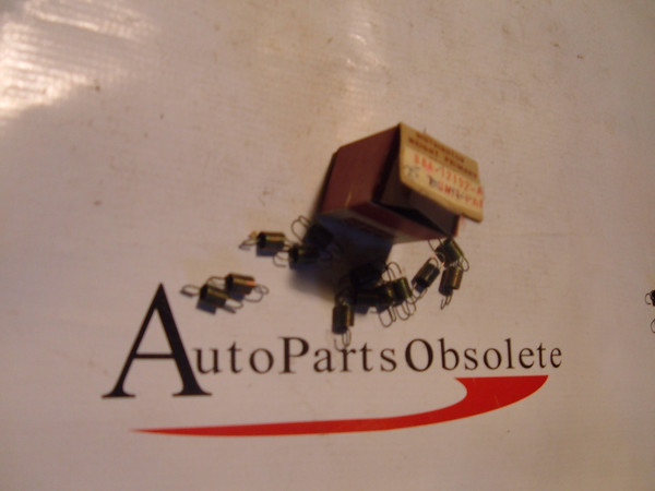 58,59 ford passenger / thunderbird distributor weight springs nos ford # B8A 12192 A (z b8a12192a)