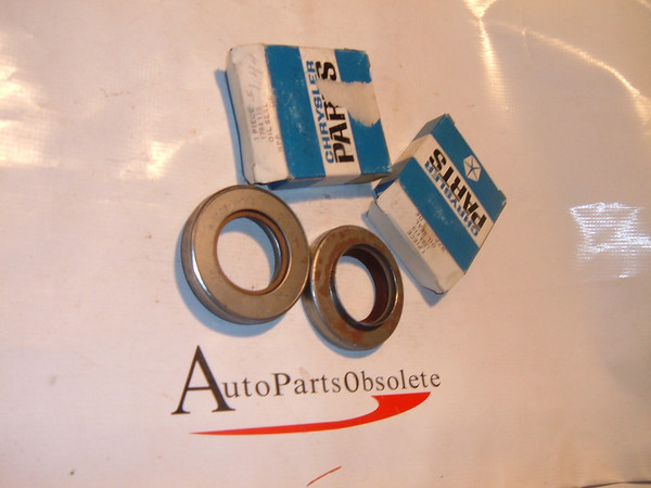 View Product58,59 60 62,64,66,68 dodge truck 4 wheel drive front axle oil seals nos mopar # 1794110 (z 1794110)
