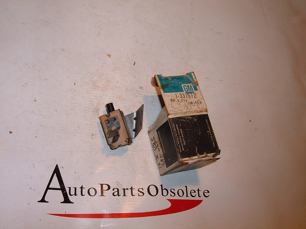 73,74,75,76 vega, monza air conditioning switch nos gm # 331972 (z 331972)