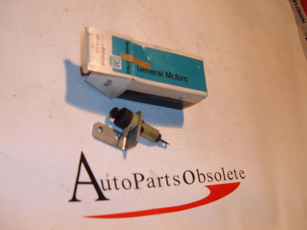 69 impala chevelle,malibu.pontiac, oldsmobile ,buick station wagon tailgate limit switch NOS gm # 9721538 (z 9721538)
