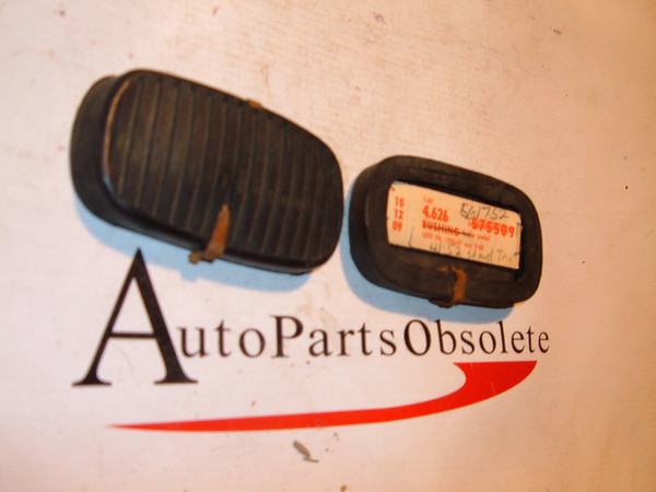 41,43,45,47,49,52 oldsmobile clutch /brake pedal pad nos gm # 561752 (z 561752)