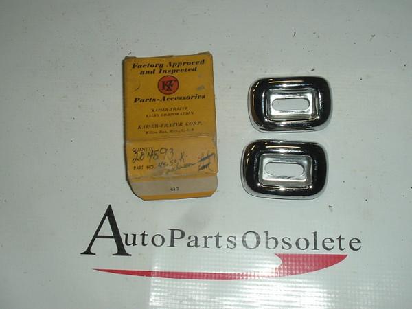 1949 50 51 Kaiser Frazer Chrome lock pad estruchian pr nos 204893 (A 204893)