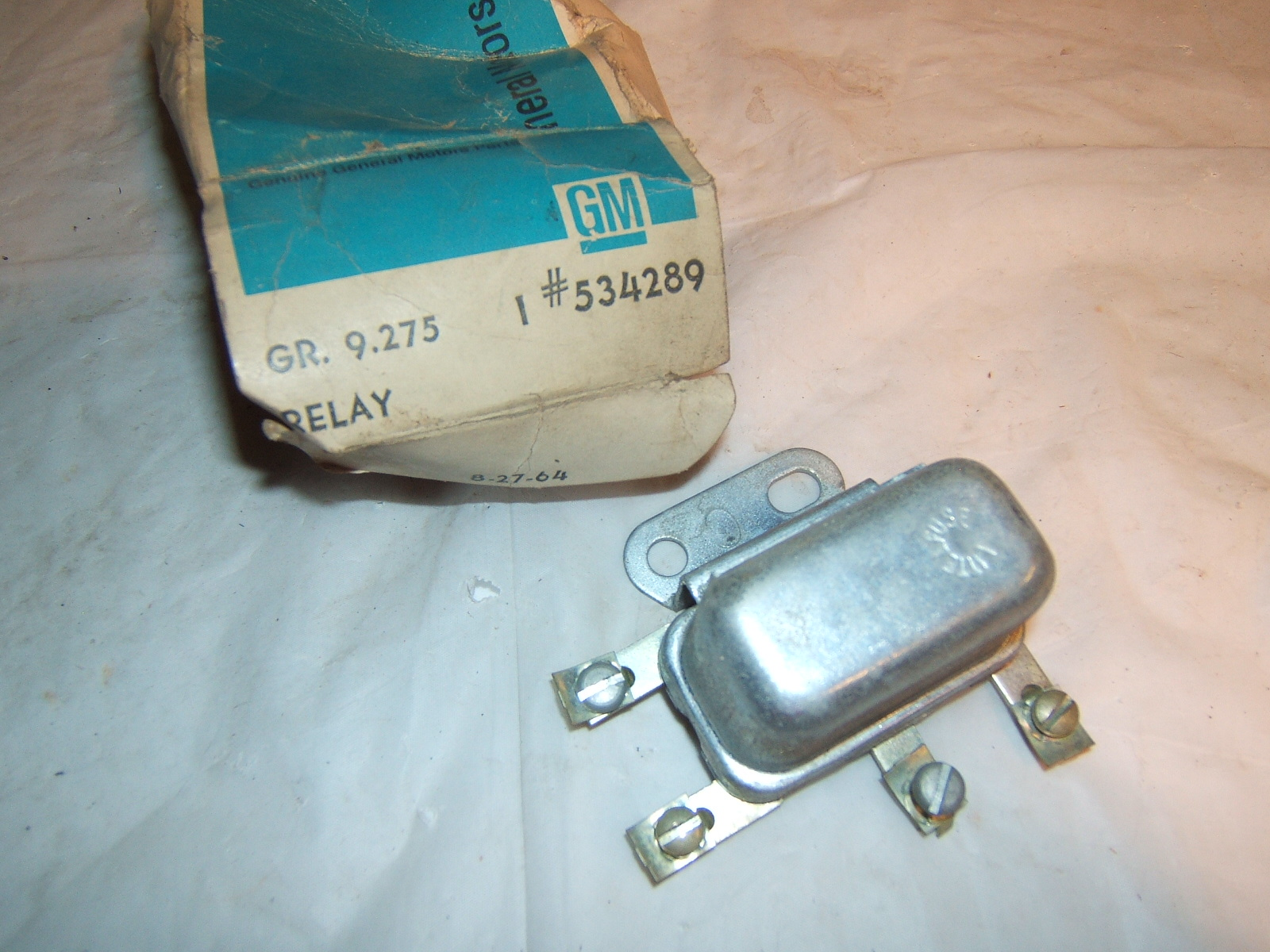 1959 1960 Pontiac Master air conditioning relay nos 534289 (a 534289)      Upload Image     Link Online      Back to Lis