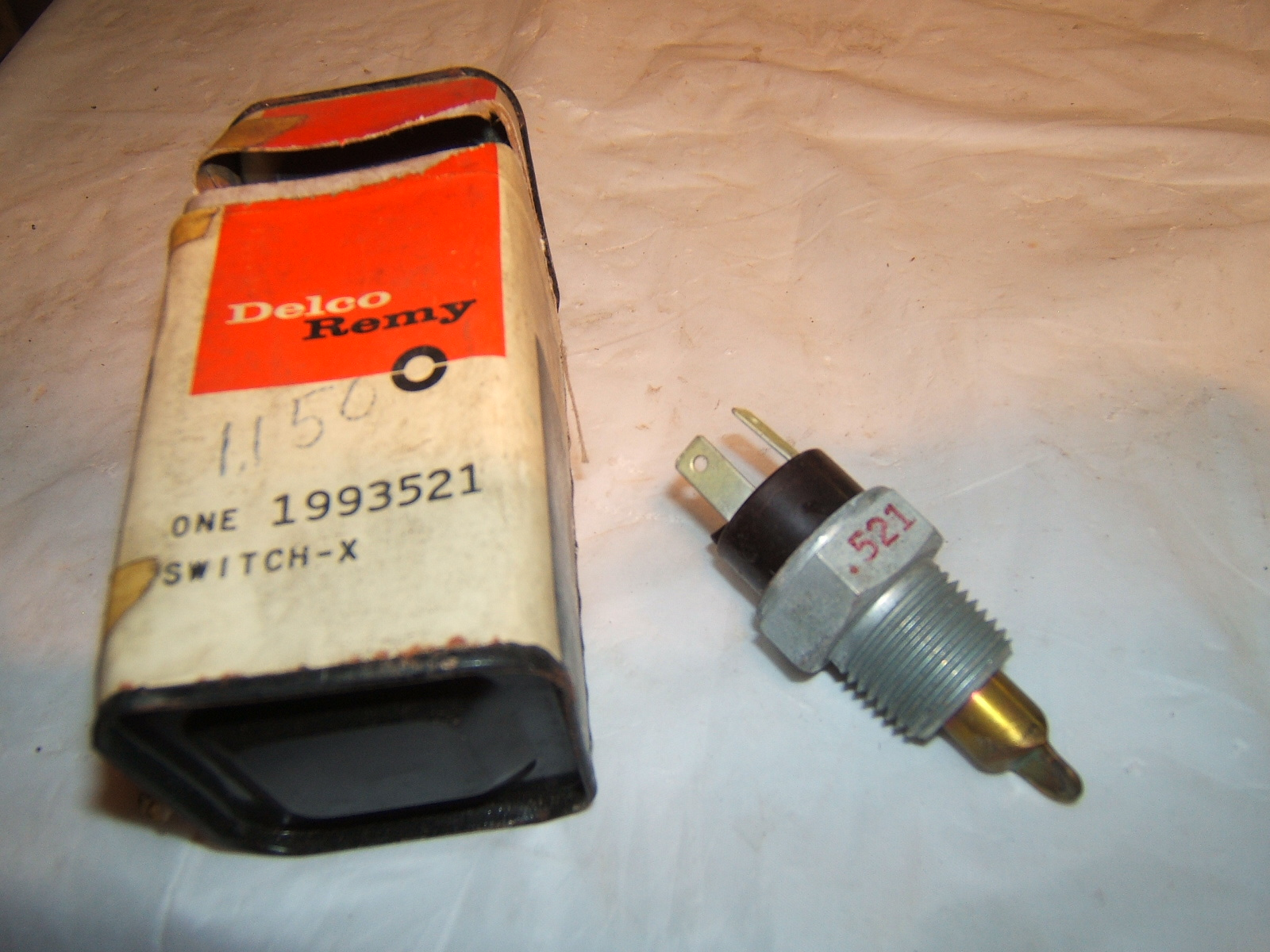 1961 Pontiac Engine Water Temperature Switch nos 1993521 (a 1993521)