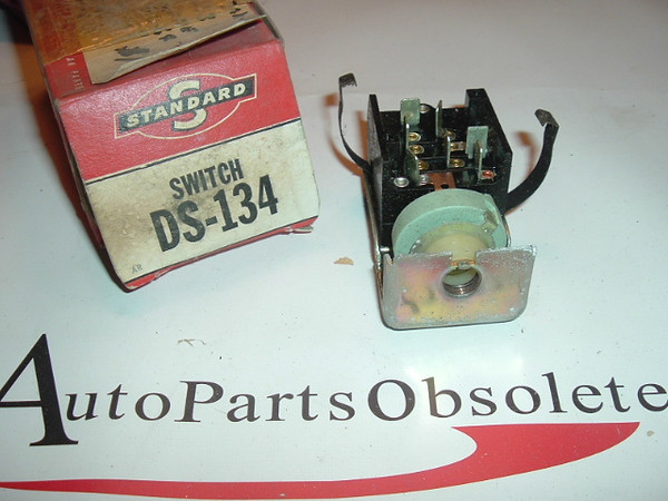 1960 1961 1962 1963 1964 Ford & Falcon headlight switch (a DS134)