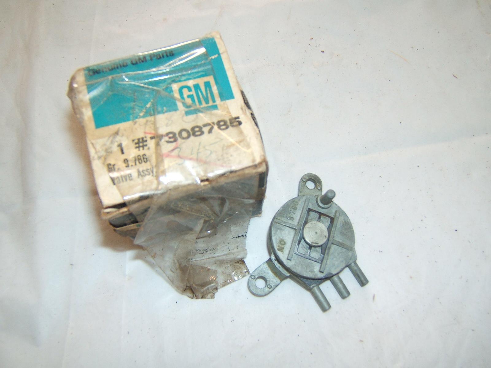 1968 Chevrolet truck AC vacuum control NOS 7308785 (a 7308785)