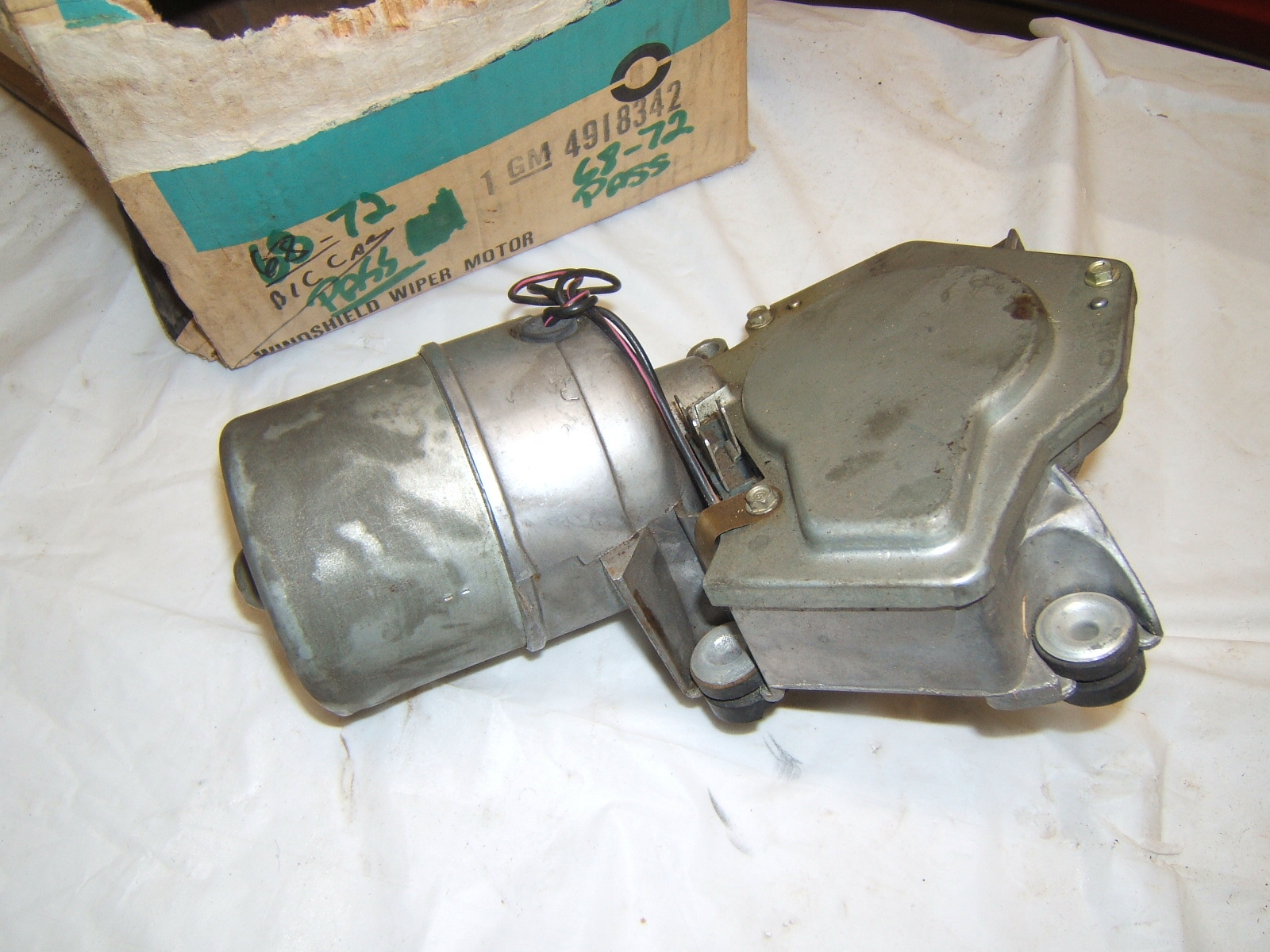 1968 1969 1970 1971 1972 1973 Chevrolet Pontiac Cadillac windshield wiper motor (A 4918342)