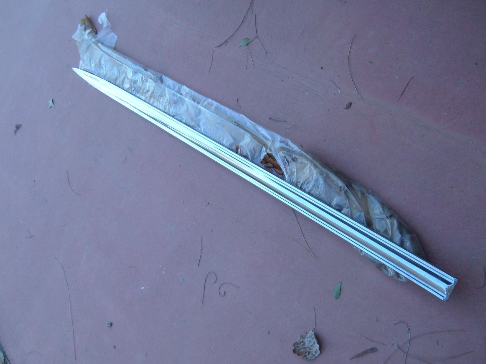 View Product1963 oldsmobile f-85 cutlass front fender molding nos gm 381743 (z 381743)