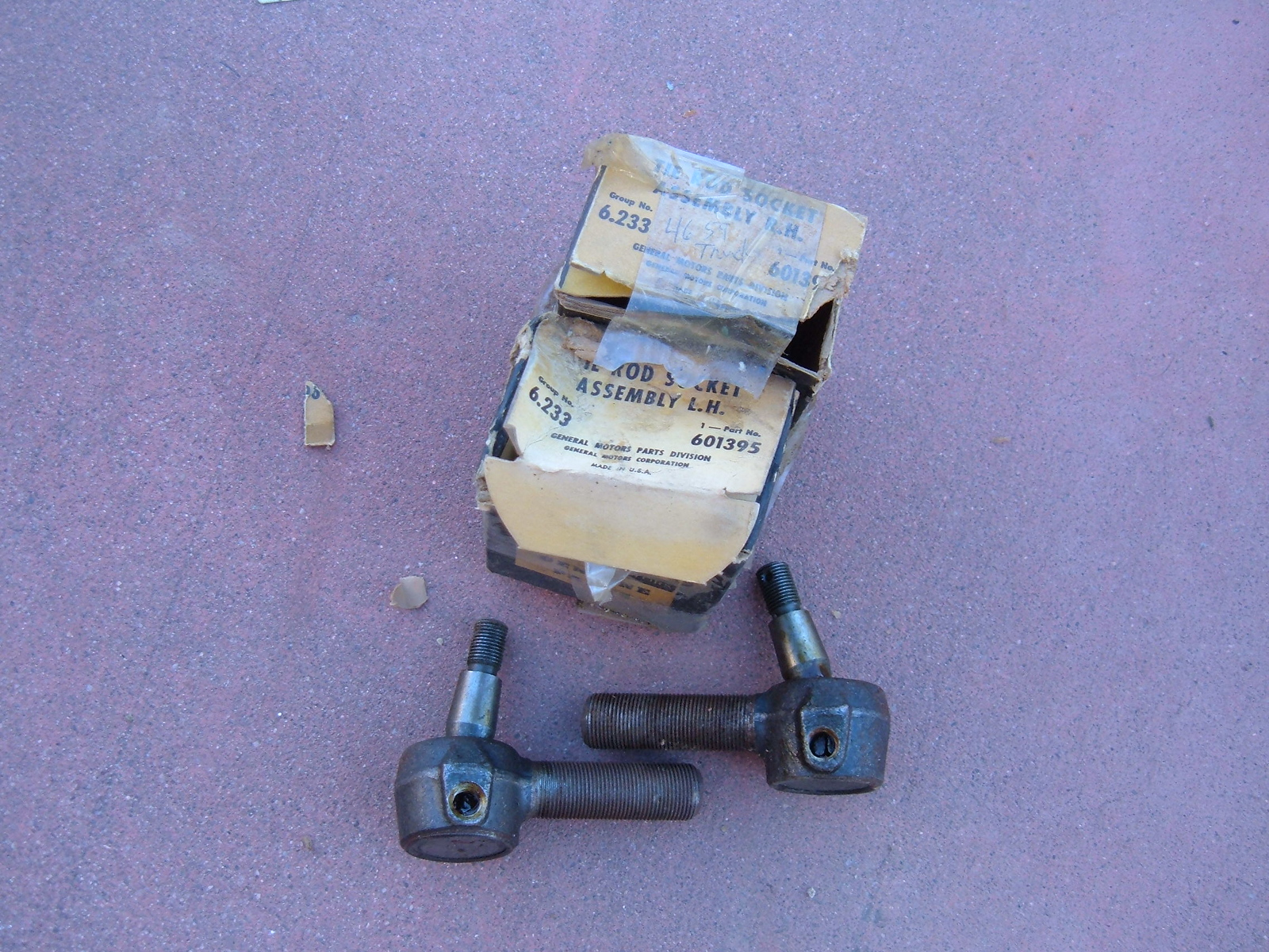 View Product1946 47 48 49 50 51 52 53 54 55 chevrolet truck tie rod end nos gm 601395/96 (z 601395/96)