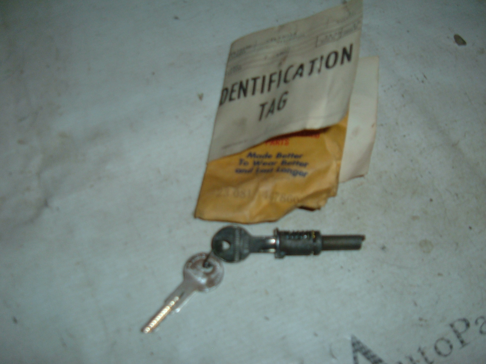 View Product1967 68 69 70 71 72 rambler tailgate lock w/keys 4478606 (z 4478606)